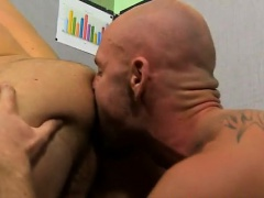 Twink video On his back and taking it deep, Parker gets the