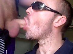 fast blowjob outside in public
