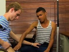 Emo gay porn boys videos having sex and kissing Sexy Robbie